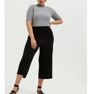 Torrid Plisse Pleated Culotte Crop Pants 2X